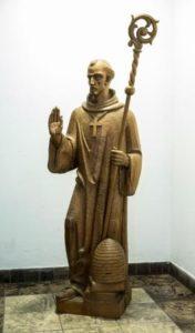 Beeld Bernardus van Clairvaux kado voor het Jongerenklooster